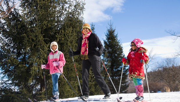 Family Snow Shoeing at Mohonk - Jim Smith Photography