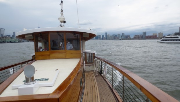 BRUNCH ON A BOAT-ER WATERFRONT: Fund for a Better Waterfront Holds Benefit Brunch Cruise Along the Hudson