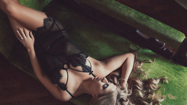 INTIMATE DETAILS EXPOSED: Rebecca Ferrier Photography on the Bare Facts of Boudoir Photos