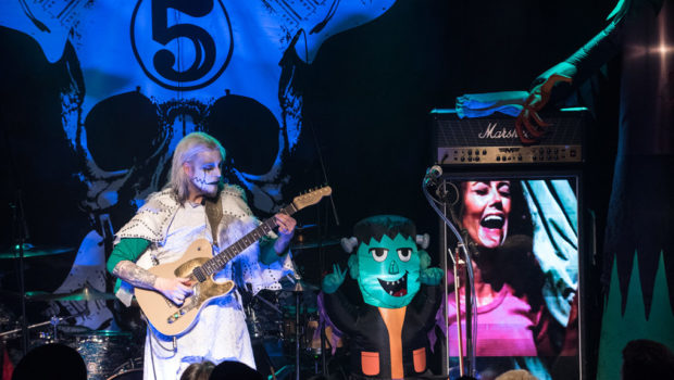 LIVE MUSIC: Guitarist John 5 @ Debonair Music Hall in Teaneck — PHOTO GALLERY